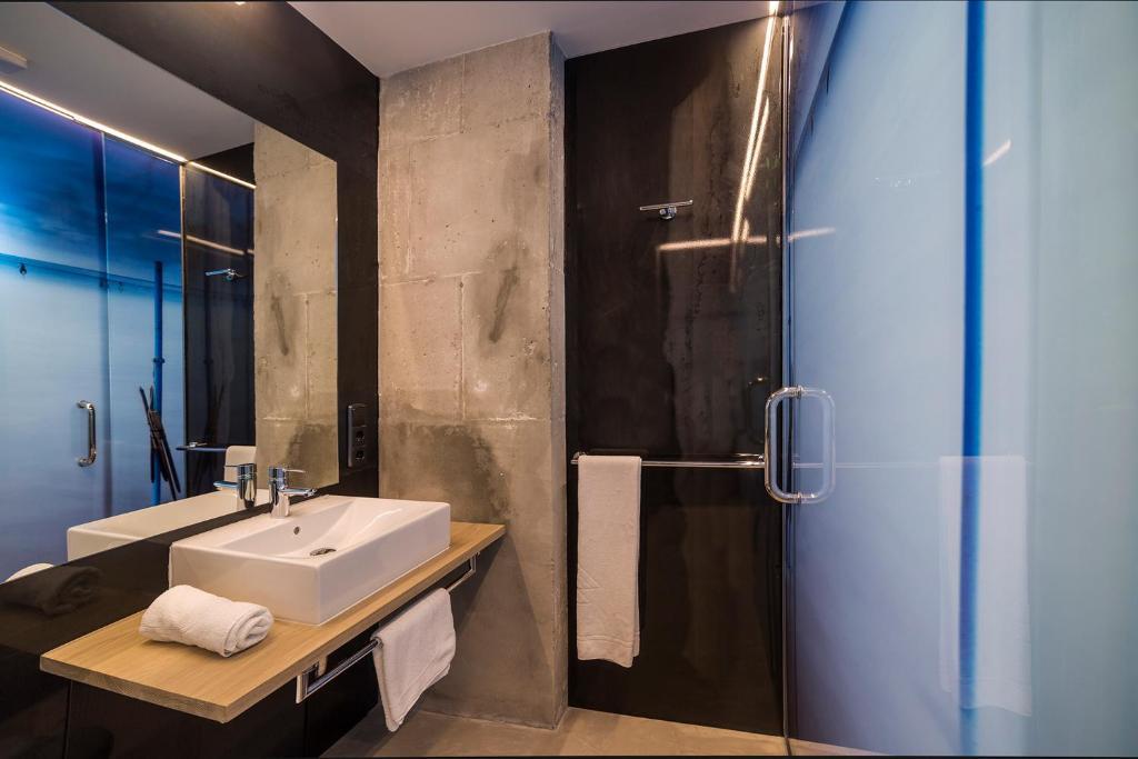 Zerupe hotel lasarte informationen und buchungen online viamichelin - Apartamentos sobre el mar zarautz ...