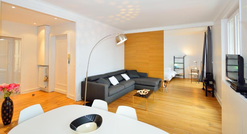 Appartement appart 39 zola appartement lyon dans le for Appart hotel dans le 95