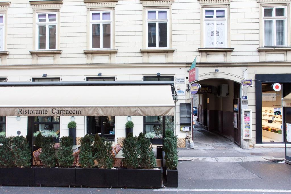 Tesla boutique apartments zagreb book your hotel with for Boutique hotel zagreb croatia