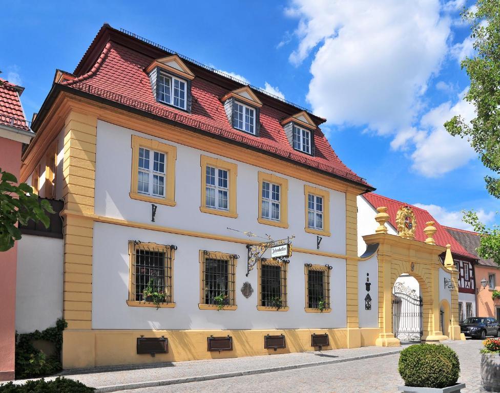 Romantik hotel zehntkeller iphofen reserva tu hotel con for Romantik hotel