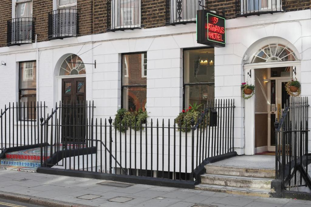 Hotel St Athans London