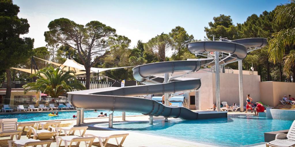 Camping taxo les pins argel s sur mer online booking for Campings argeles sur mer avec piscine