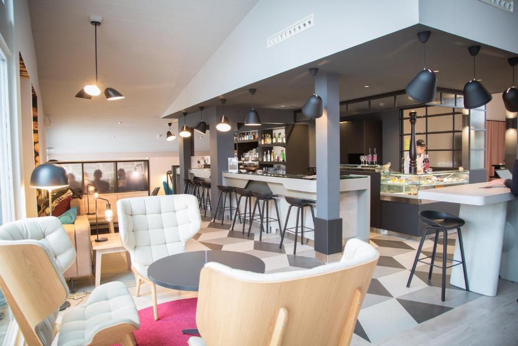 hotel novotel lille a roport lesquin. Black Bedroom Furniture Sets. Home Design Ideas