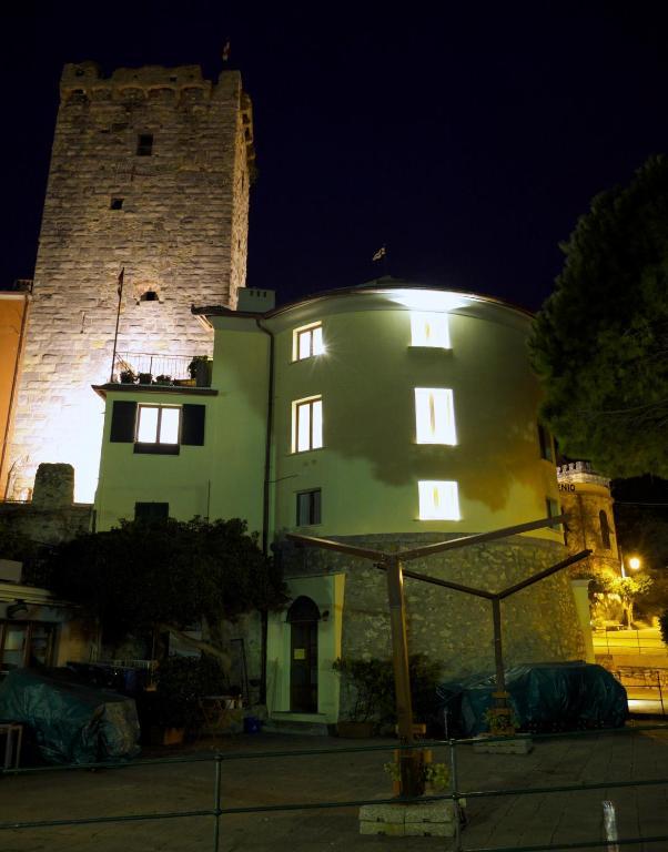 Chambres d 39 h tes torre porto venere chambres d 39 h tes portovenere - Chambres d hotes porto portugal ...