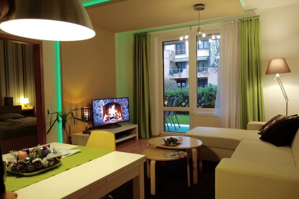 אזור ישיבה ב-Semiramis Apartment