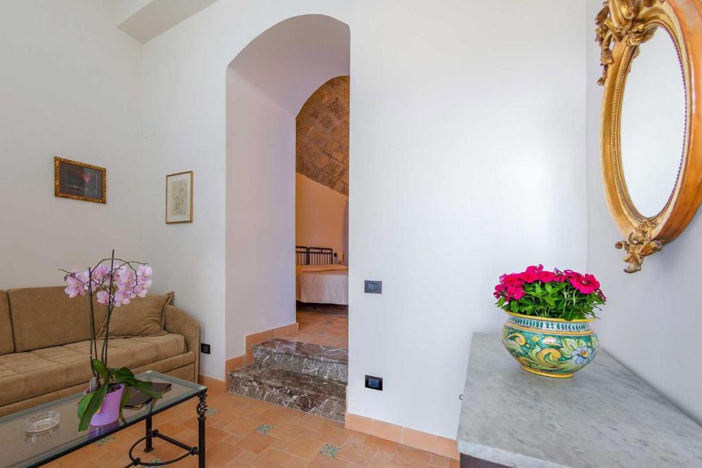 Maison Blanche Taormina - Taormina - book your hotel with ViaMichelin