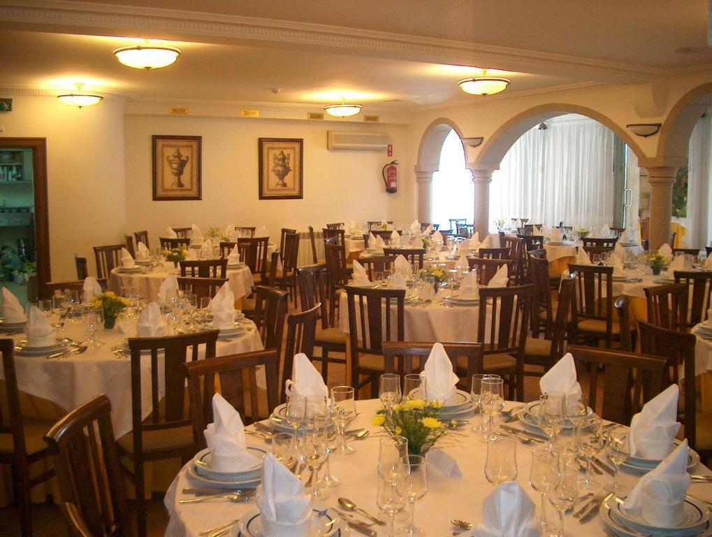 Mendon Il Restaurants