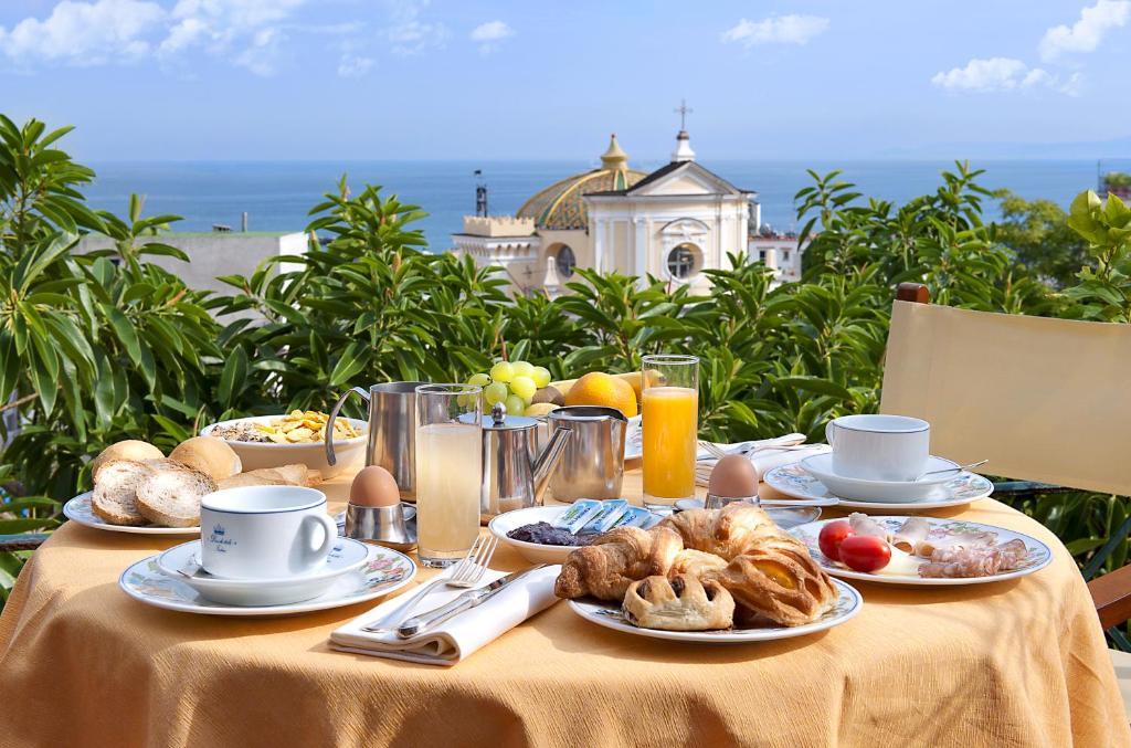 Hotel La Villarosa Terme - Ischia - book your hotel with ViaMichelin