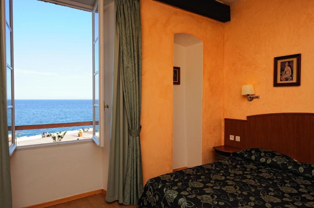 h tel posta vecchia bastia online booking viamichelin. Black Bedroom Furniture Sets. Home Design Ideas
