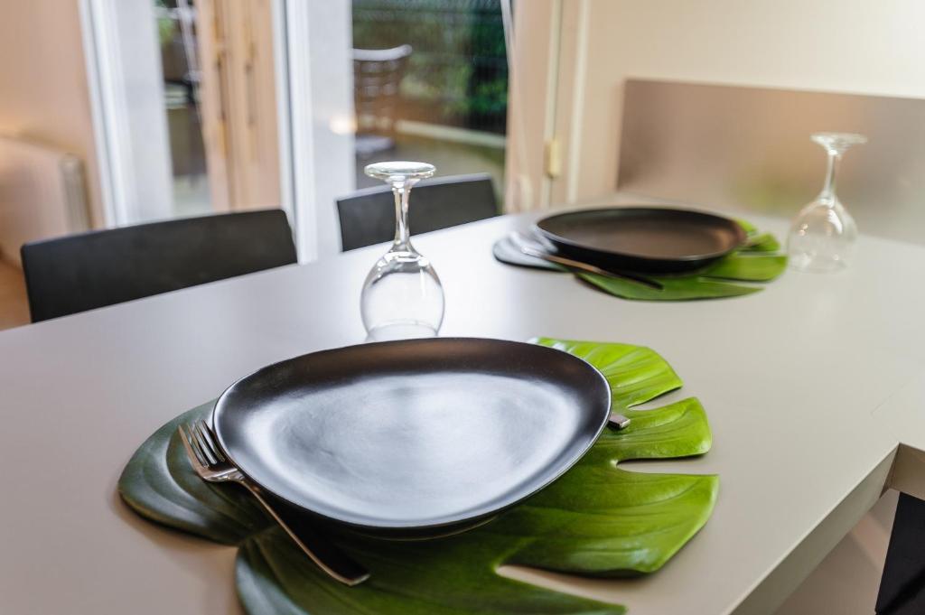 Appartement appart coeur de lyon part dieu vivier - Ustensiles de cuisine lyon ...