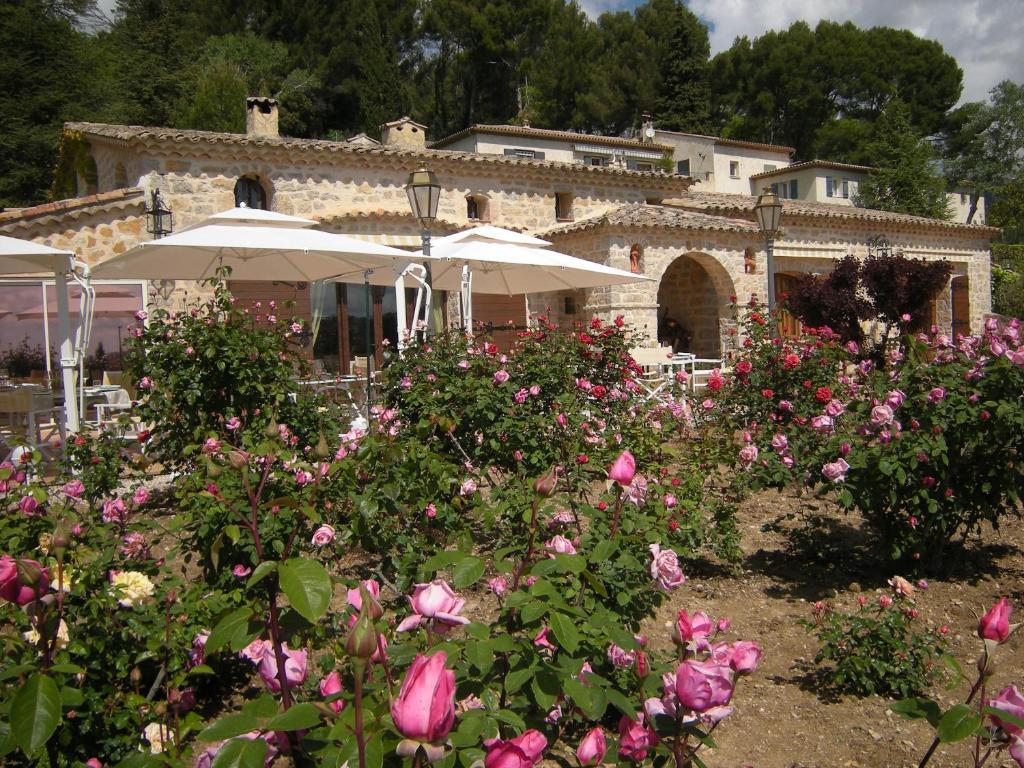 Chambres d 39 h tes et restaurant le castellaras casas for Chambre d hote le