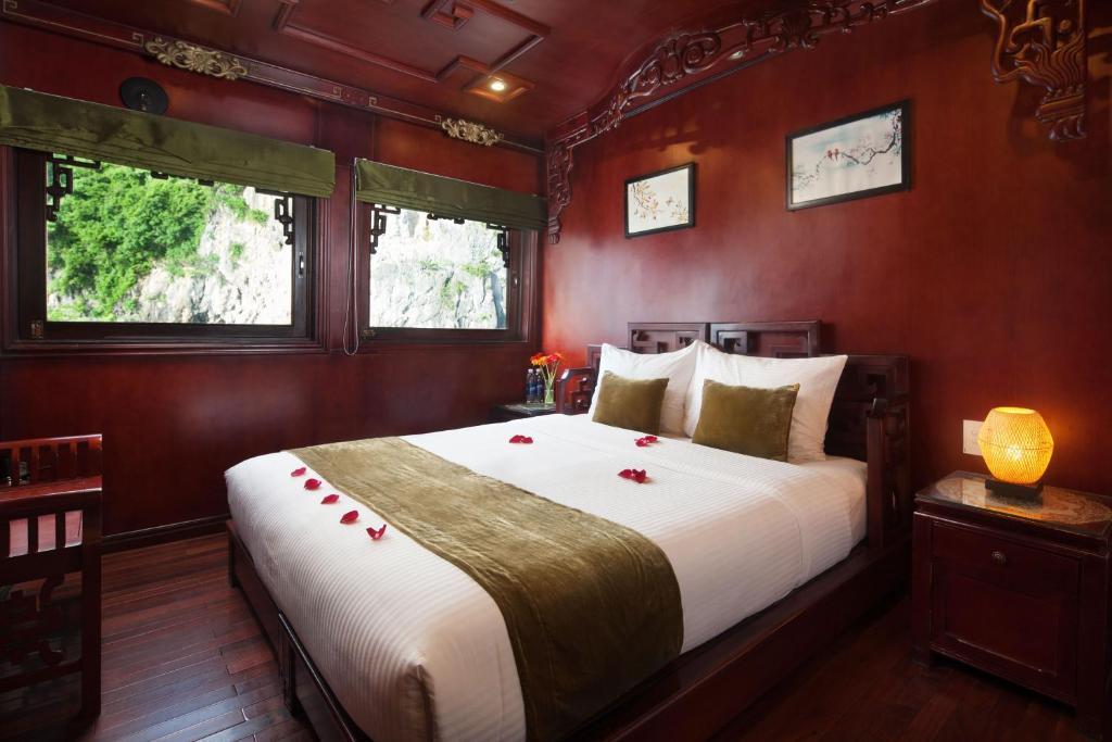 Cabin Deluxe 3 Ngày 2 Đêm (1 ngày trên thuyền & 1 ngày trong Bungalow)