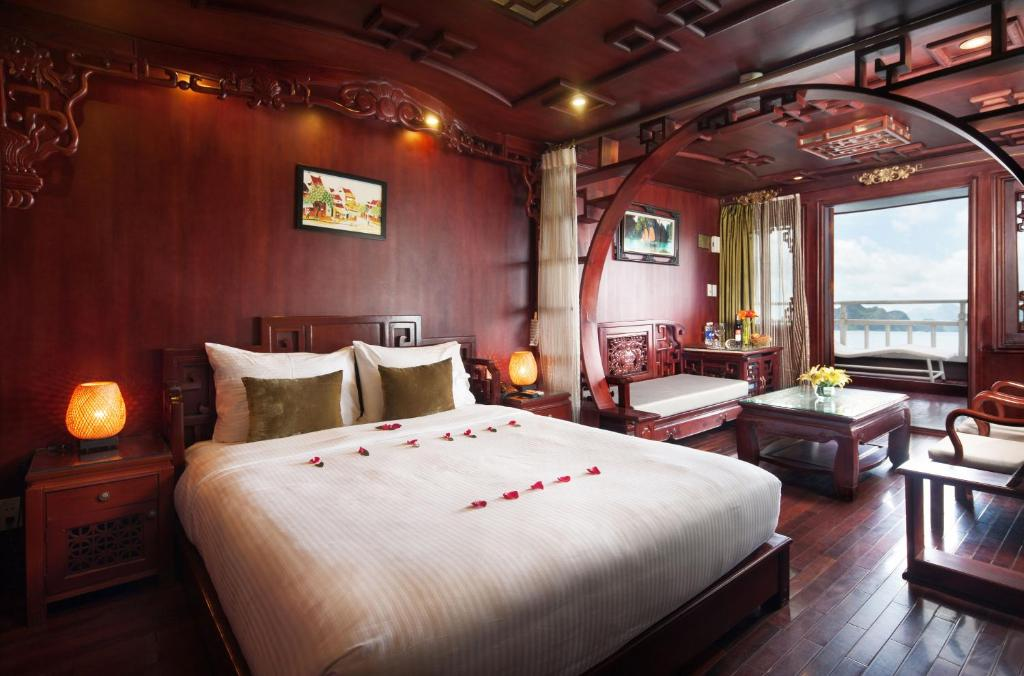 Suite Royal Giường đôi - 3 Ngày 2 Đêm Trên Thuyền