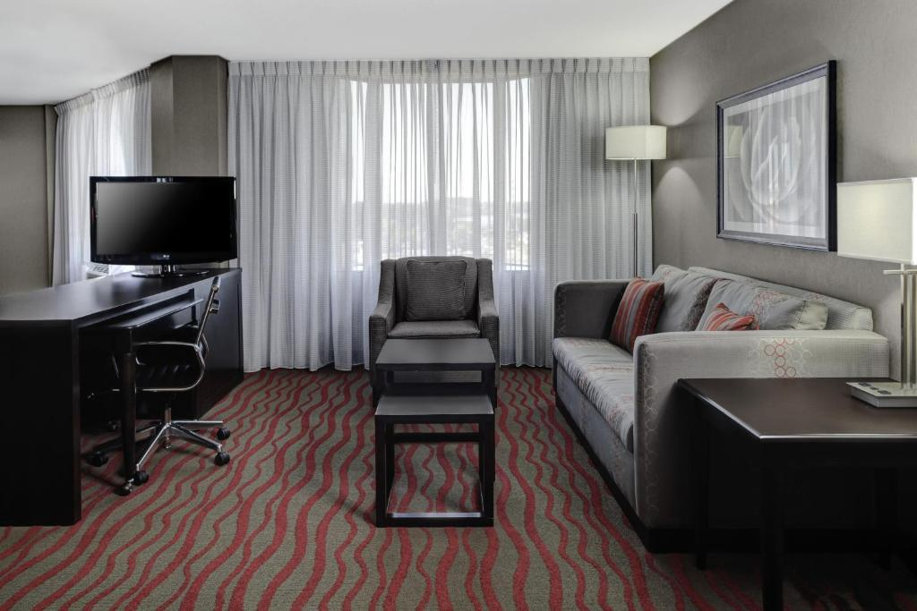 Courtyard By Marriott St Cloud Saint Cloud Book Your Hotel With Viamichelin