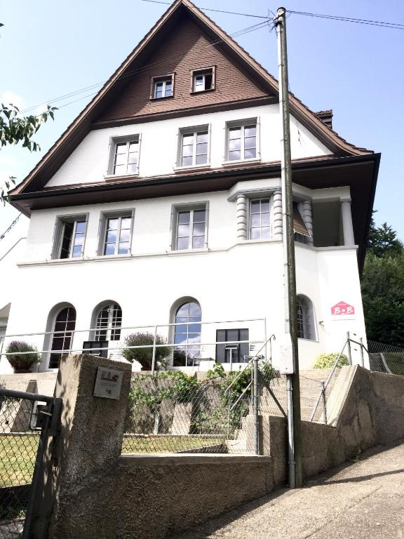 Chambres d 39 h tes bed and breakfast olten chambres d for Chambre d hote suisse