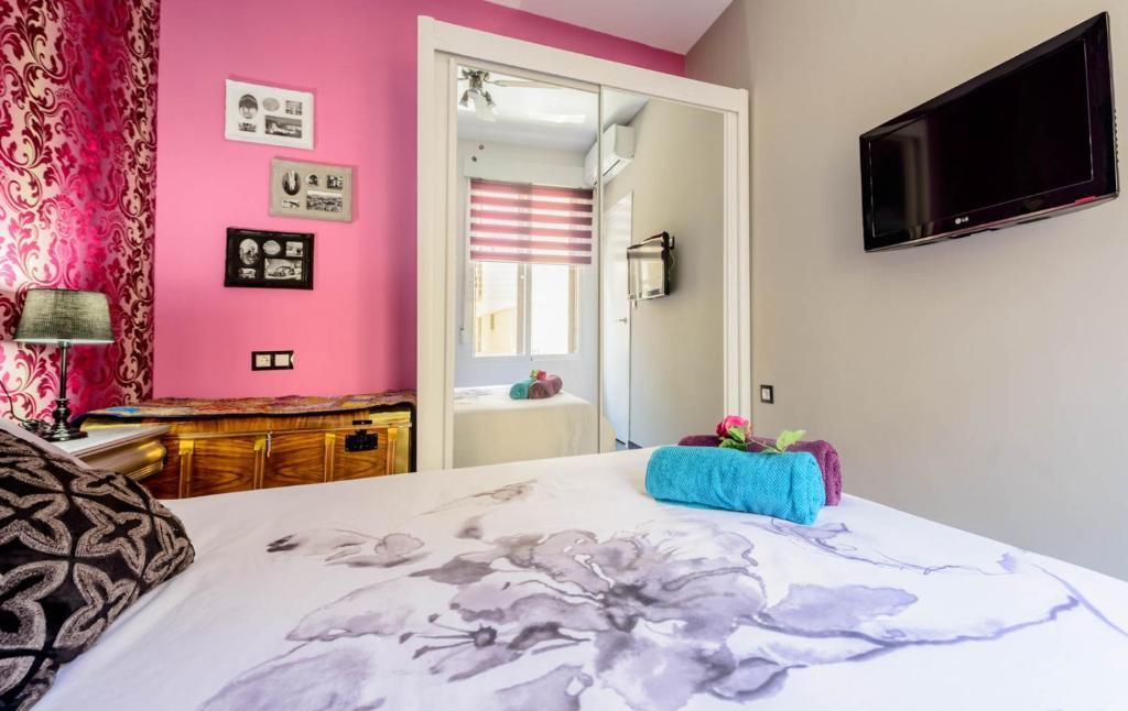 Elvira home granada granada book your hotel with - Arteaga hostal banos arabes elvira ...