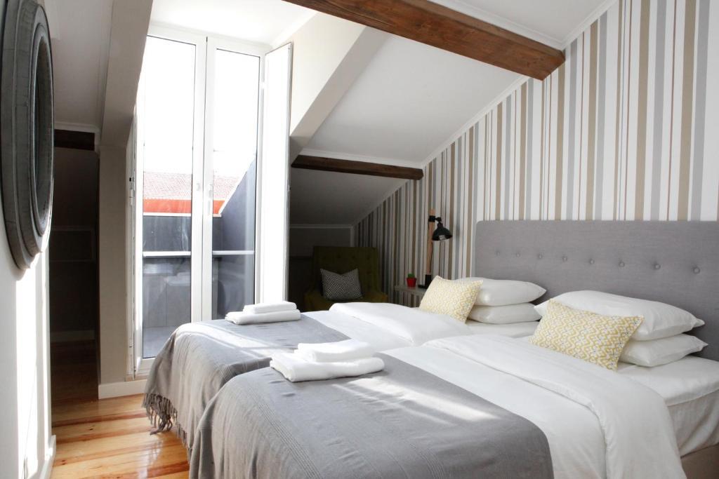 Flores guest house chambres d 39 h tes lisbonne for Chambre hote lisbonne