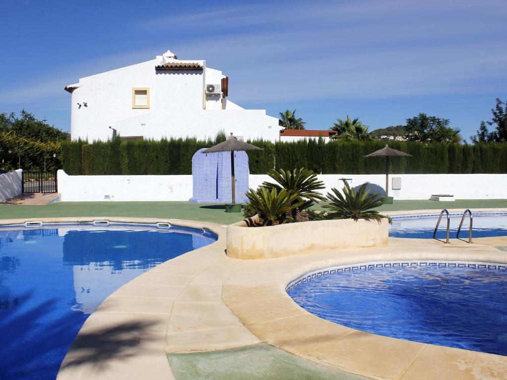 Bungalows puerta del sol unitursa calp book your hotel for Puerta del sol web