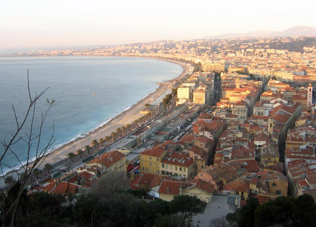 Appart 39 hotel odalys le palais rossini nice book your for Nice appart hotel