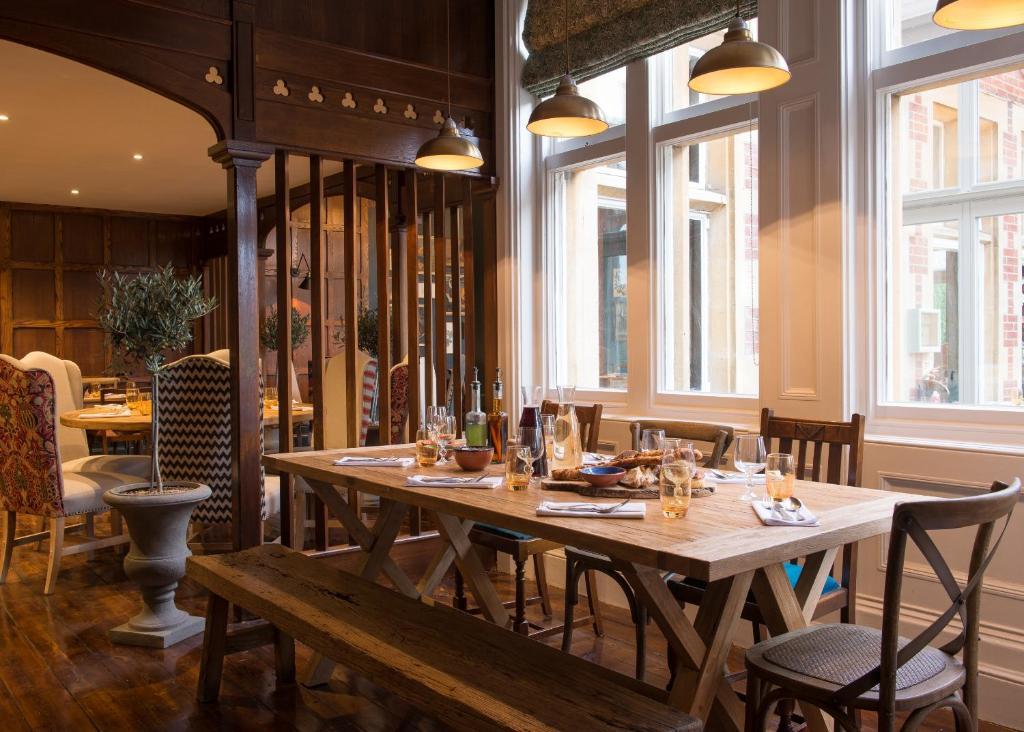 Burley Manor Restaurant Reviews