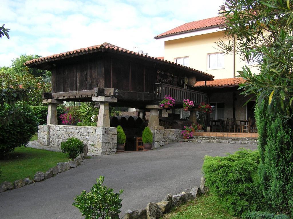 Hotel Entreviñes (España Colunga) - Booking.com