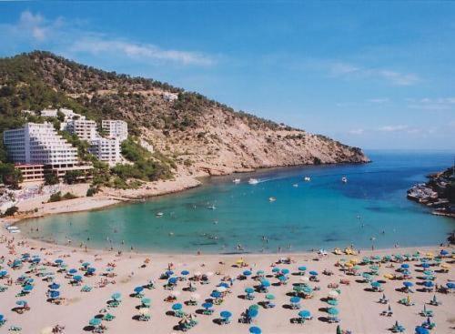 Apartamentos Cala LLonga Playa, Cala Llonga – Cập nhật Giá