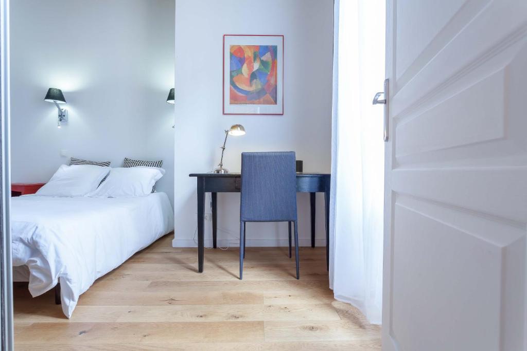 appart coeur de lyon r publique op ra lyons book. Black Bedroom Furniture Sets. Home Design Ideas