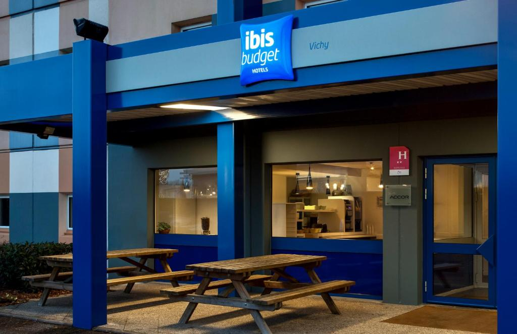Hotel ibis budget vichy bellerive sur allier book your for Hotels vichy
