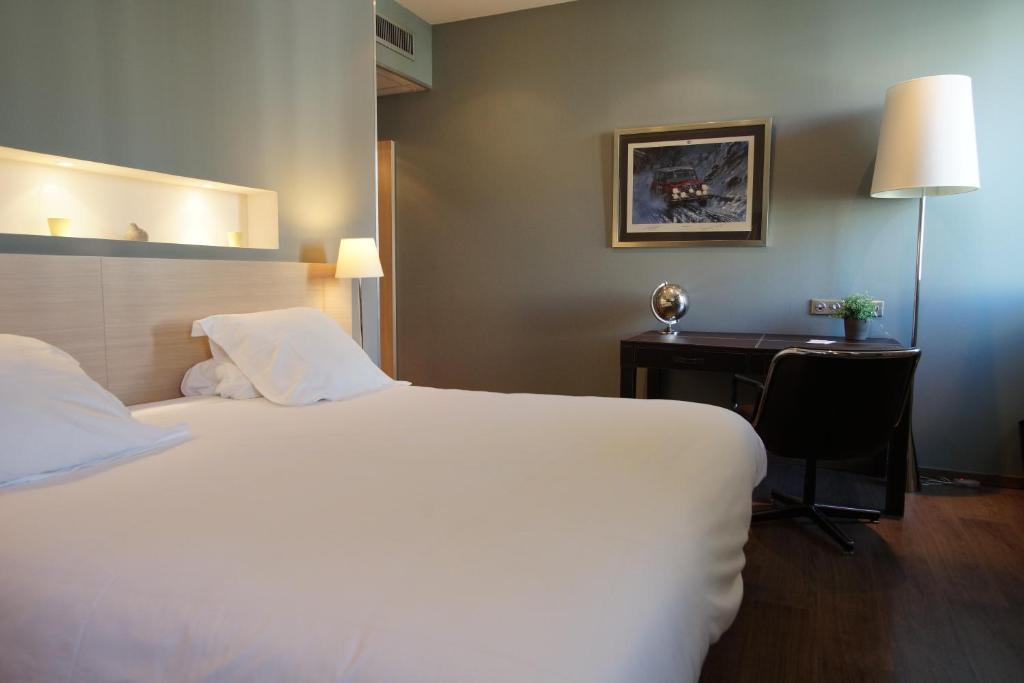 Hotel de france valence book your hotel with viamichelin for Hotel de france booking