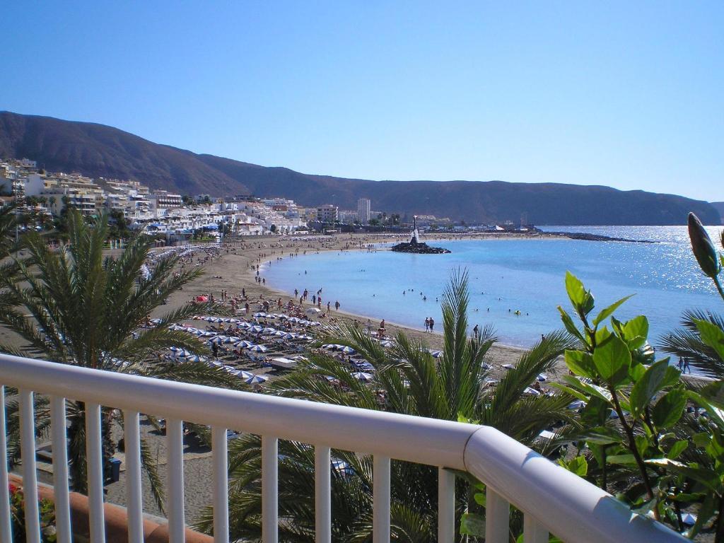 Apartamentos vista sur espa a playa de las am ricas for Apartamentos en el sur de tenerife ofertas