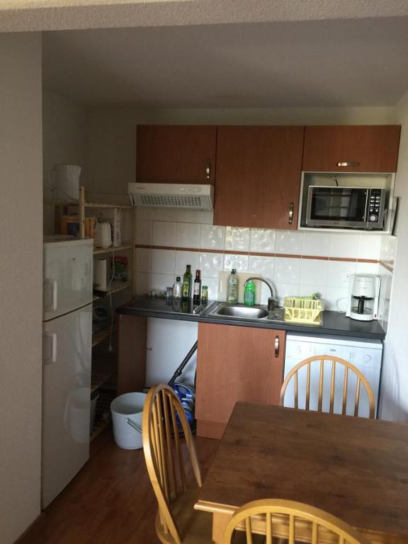 appartement bonascre locations de vacances ax les thermes. Black Bedroom Furniture Sets. Home Design Ideas