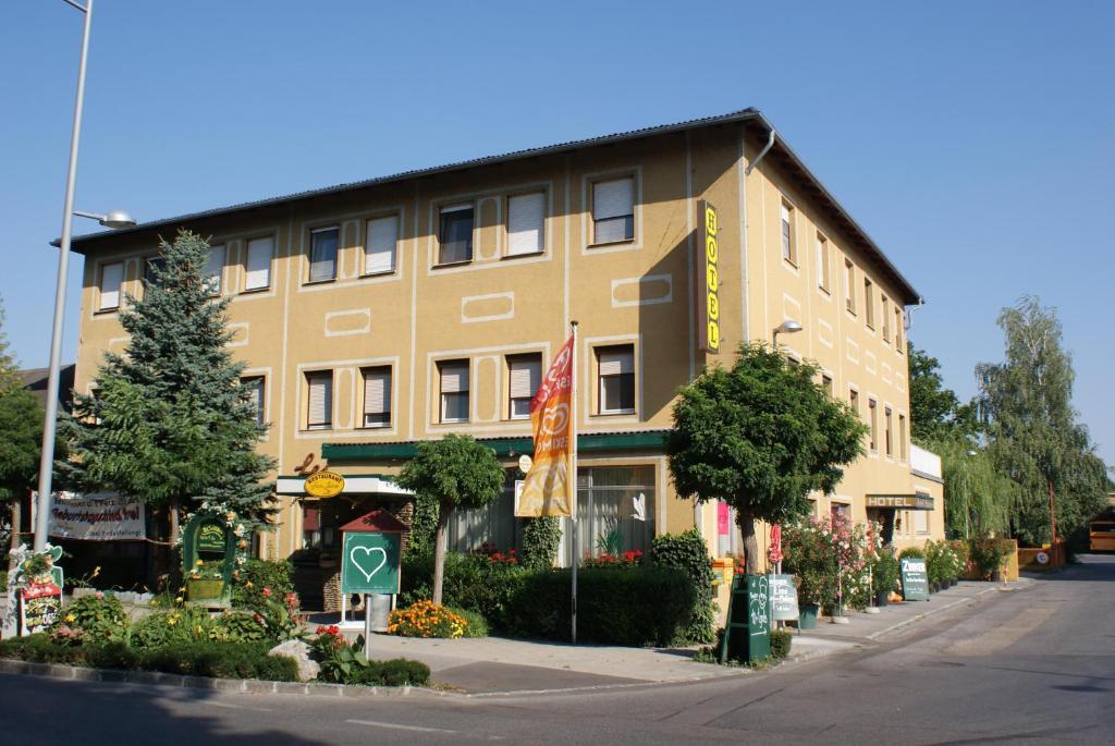 Hotel pension leiner r servation gratuite sur viamichelin for Reserver hotel payer sur place