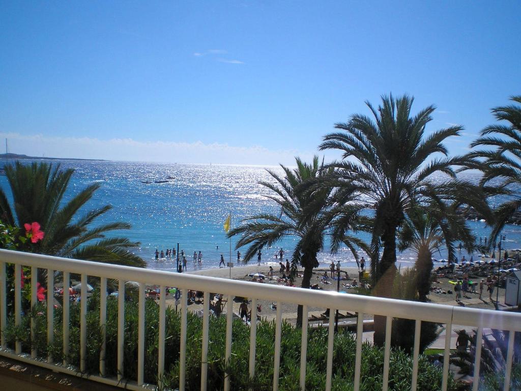 Apartamentos vista sur arona online booking viamichelin - Apartamentos baratos playa de las americas ...
