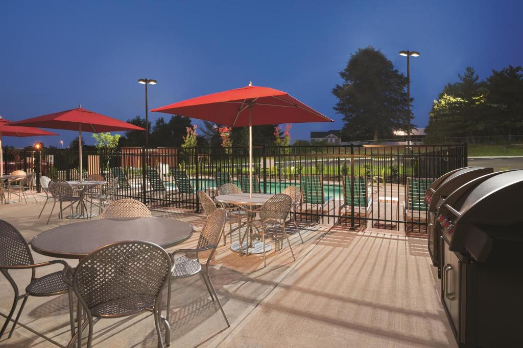 Home2 suites by hilton knoxville west knoxville book your hotel with viamichelin for Knoxville public swimming pools