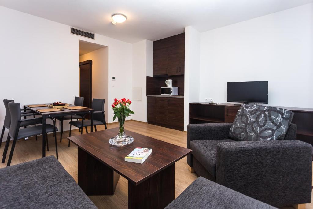 Barok hotel and apartments bratislava informationen for Bratislava apartments