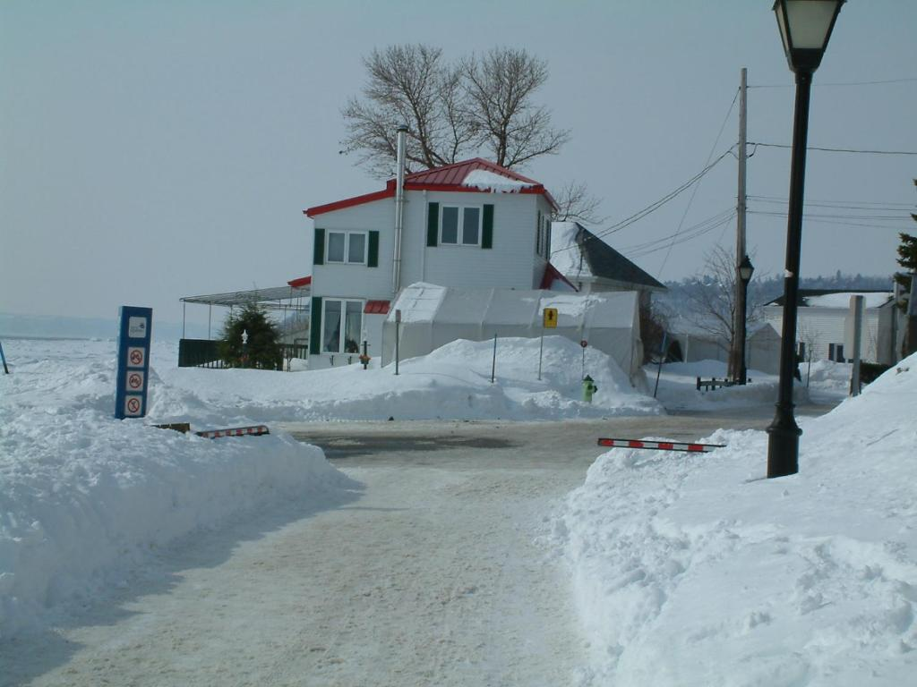 Hotels Near Quebec City Airport With Shuttle