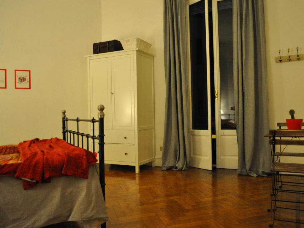 libeccio bed breakfast chambres d 39 h tes milan. Black Bedroom Furniture Sets. Home Design Ideas