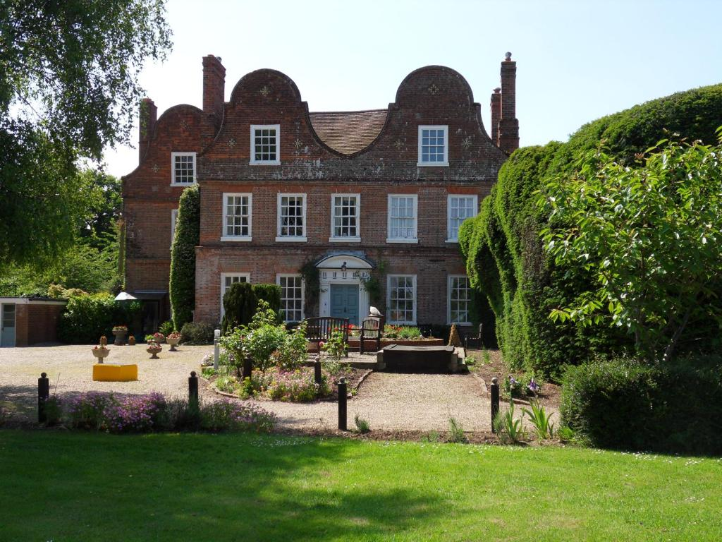 Mangreen country house norwich online booking for Country house online