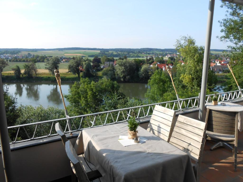 aussicht bio hotel restaurant cafe neuburg an der donau book your hotel with viamichelin. Black Bedroom Furniture Sets. Home Design Ideas