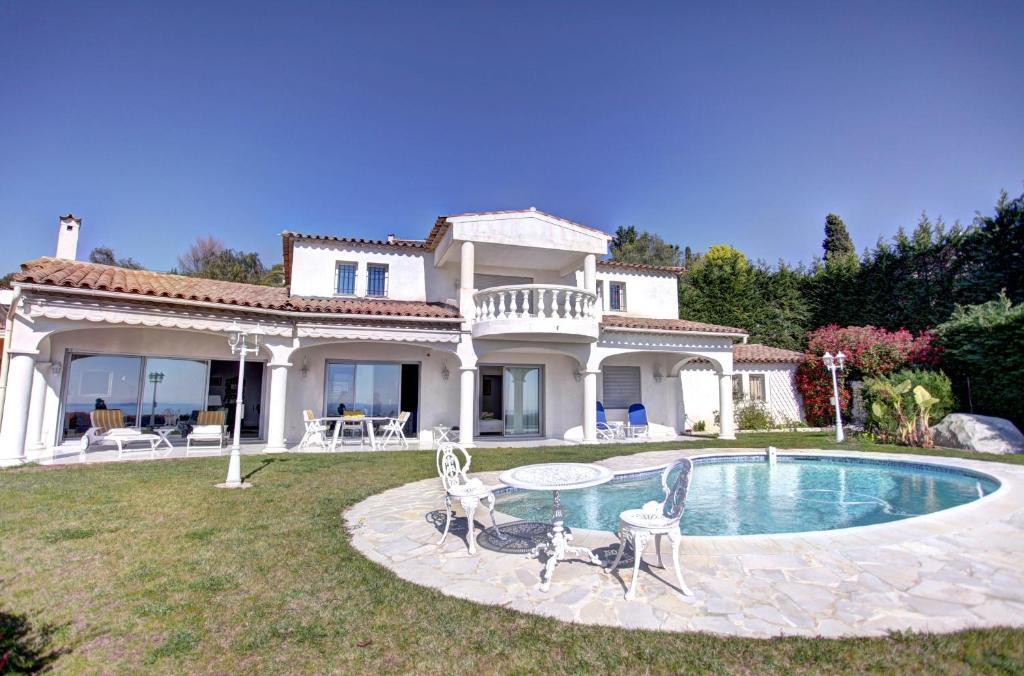 Villa maison fabron nice france for Maison hote nice