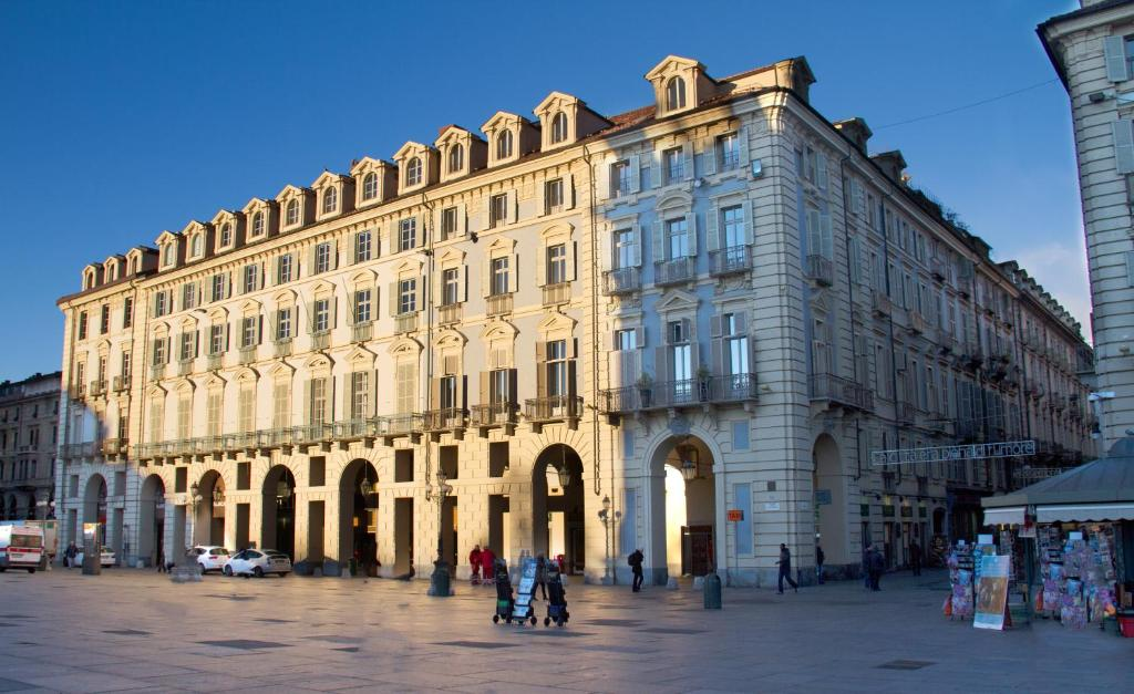 Piazza castello suite turin book your hotel with for Hotels turin