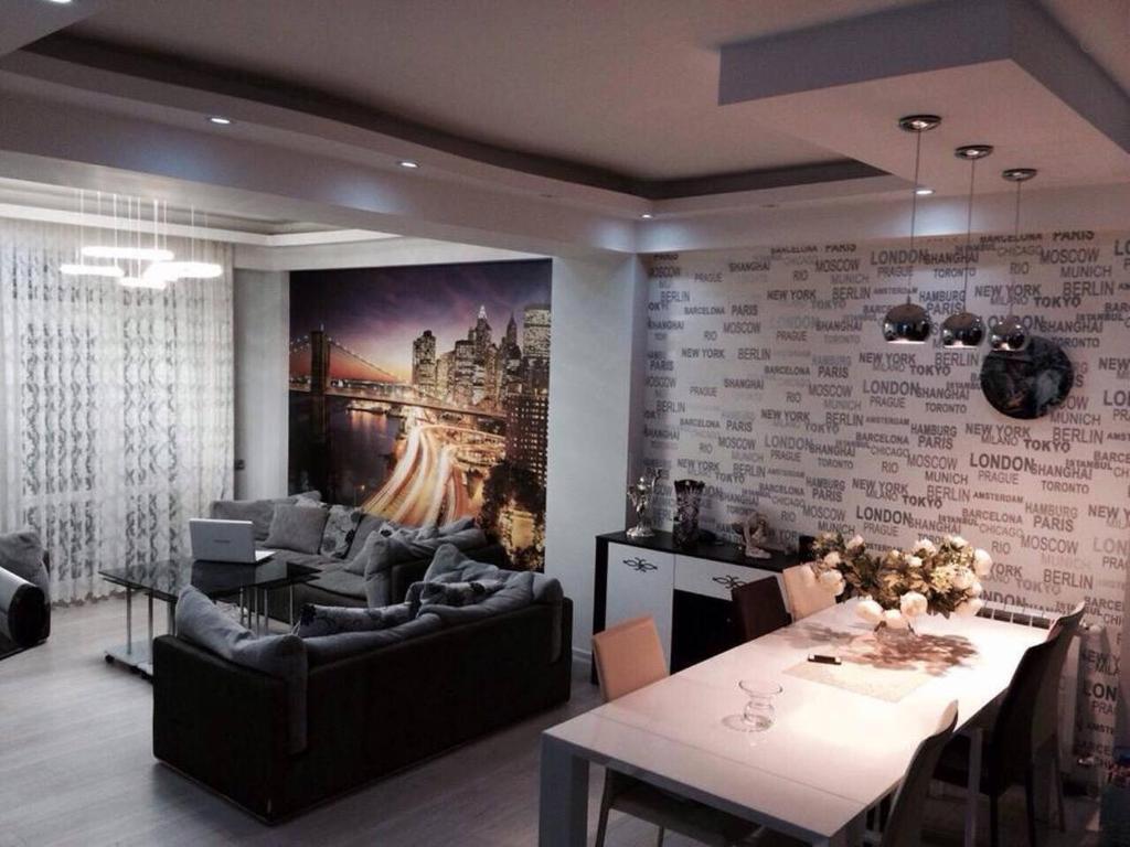 Apartment in tbilisi t 39 bilisi viamichelin informatie for Canape tbilisi