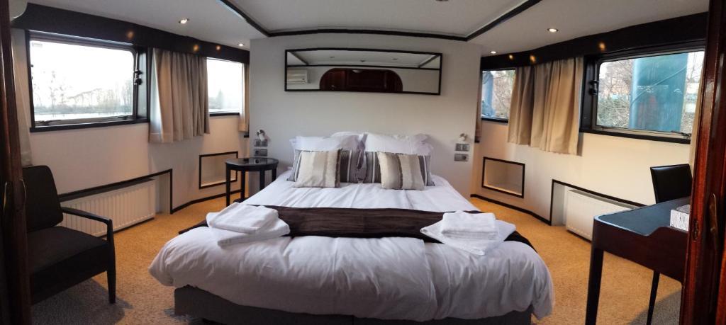 frette linge de maison frette housse de couette ivoire. Black Bedroom Furniture Sets. Home Design Ideas