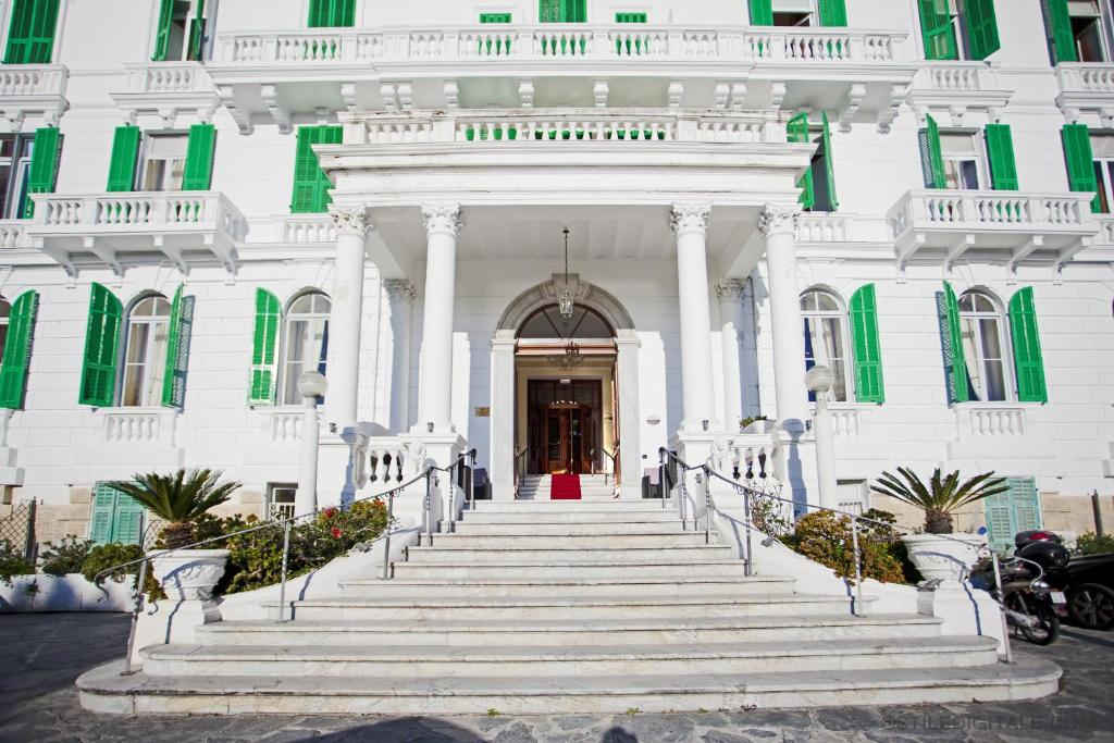 Grand hotel des anglais r servation gratuite sur for Reserver des hotels