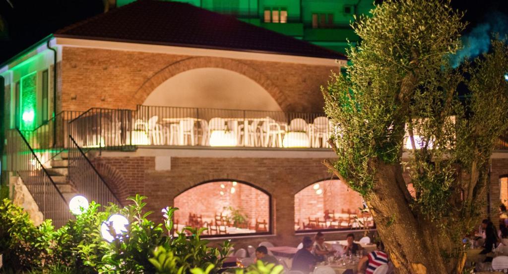 Avis Sur Restaurant Hotel Trav Ef Bf Bd