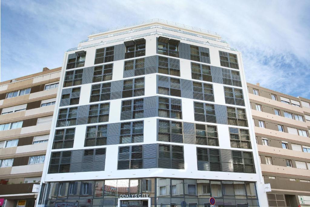 Appart 39 hotel odalys prado castellane marseilles book for Appart hotel odalys