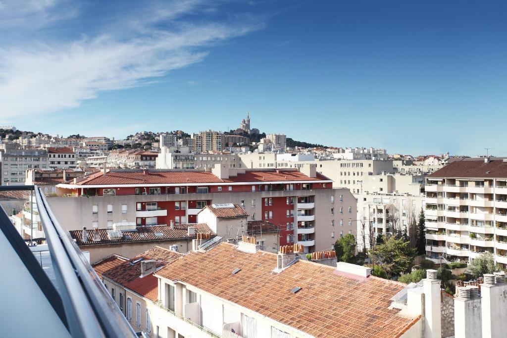 Appart 39 hotel odalys prado castellane marseilles book for Appart hotel marseille