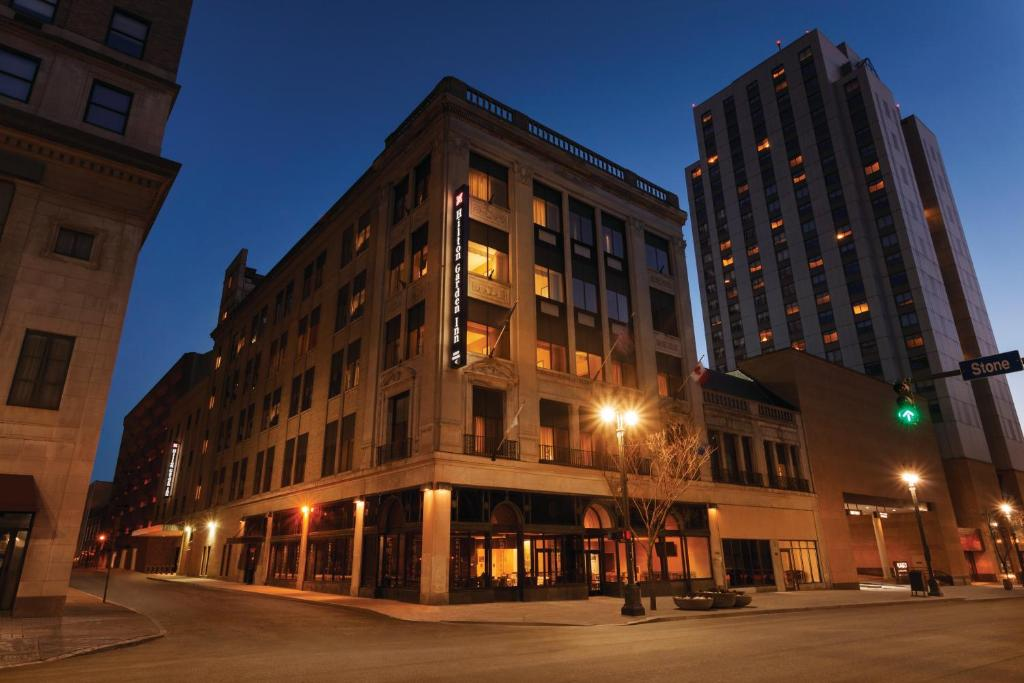 Hilton Garden Inn Rochester Downtown Rochester Book Your Hotel With Viamichelin