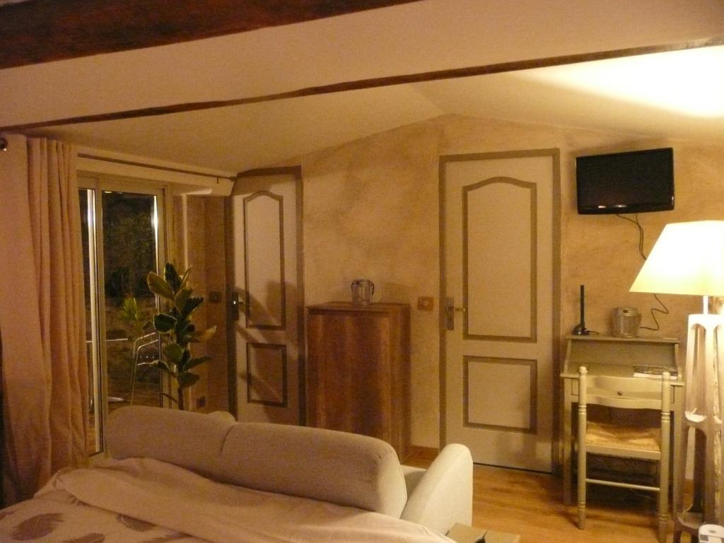 Chambres d 39 h tes d 39 antardieu saint junien online for Chambre d hotes limoges