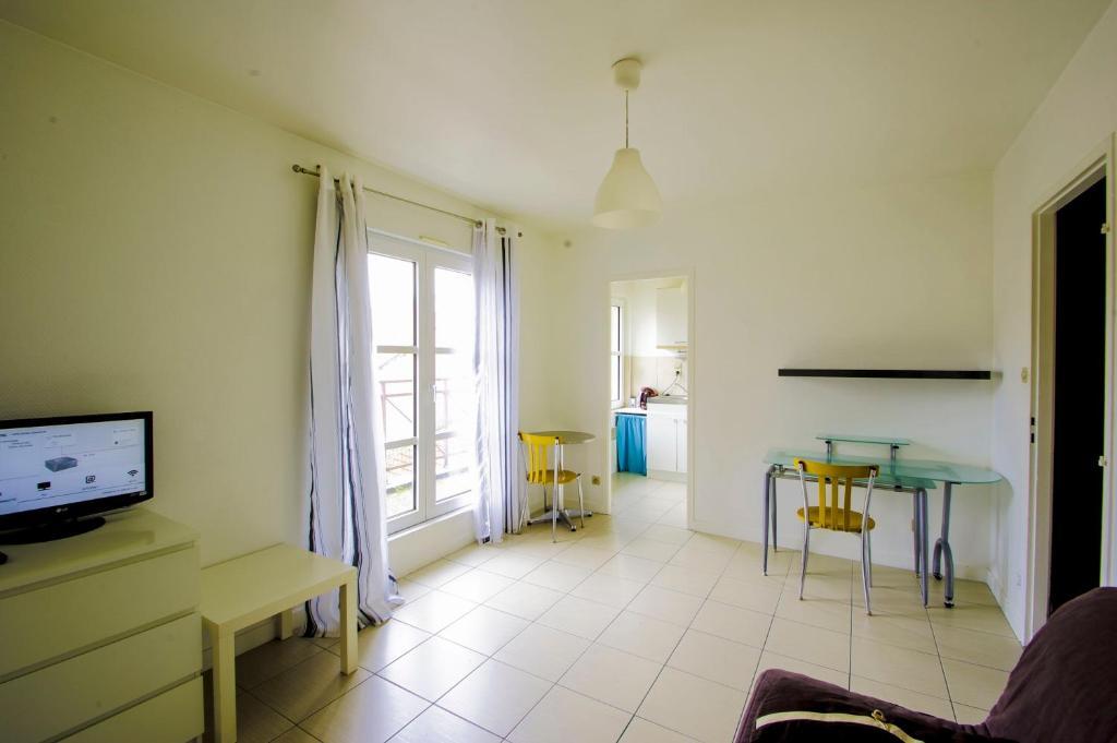 appartement metz port saint marcel locations de vacances metz. Black Bedroom Furniture Sets. Home Design Ideas